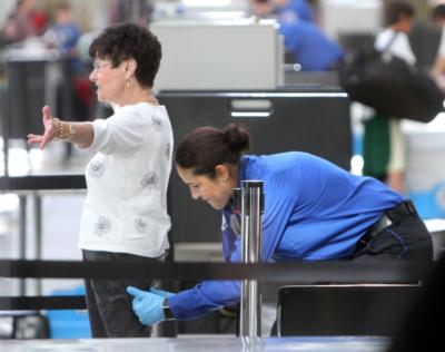 Sikkerhetskontroll flyplass